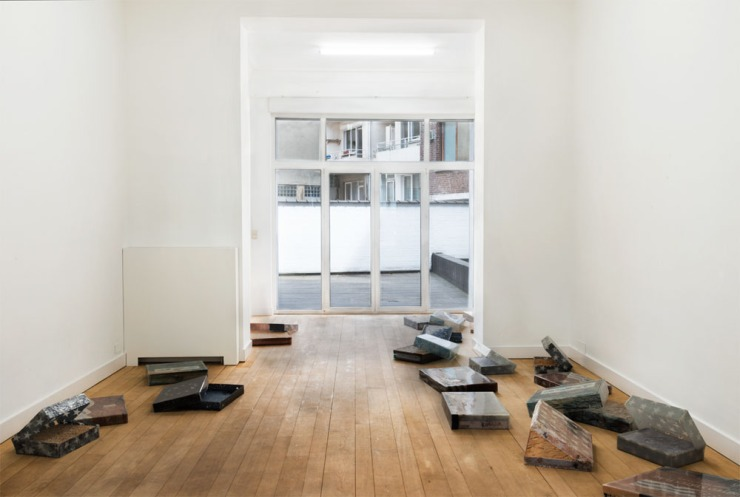2-install 4 back room flat
